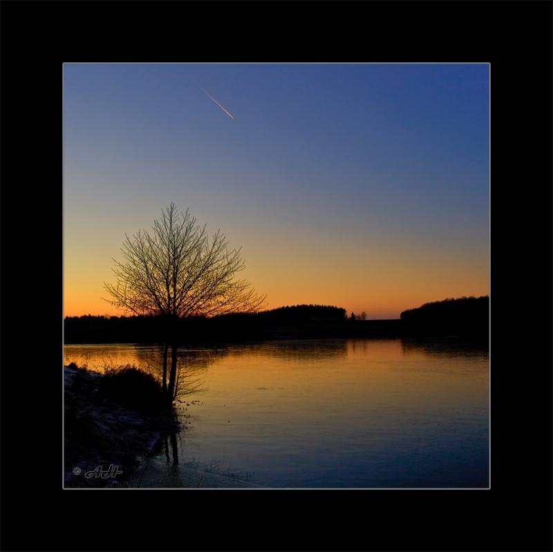 Abends am  kalten See