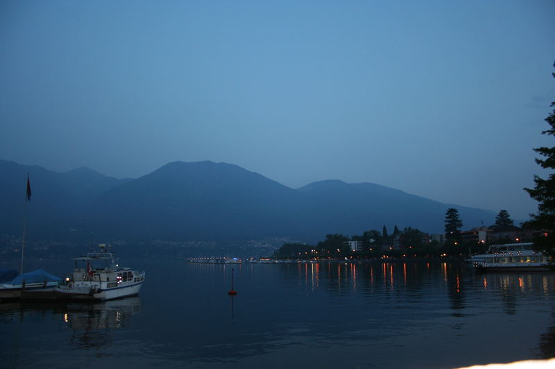 Abends am Lago Maggiore