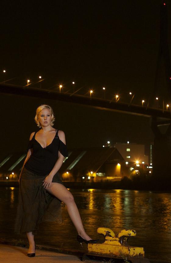 Abends an der Köhlbrandbrücke