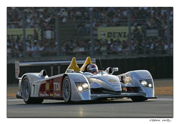 Abends in Le Mans