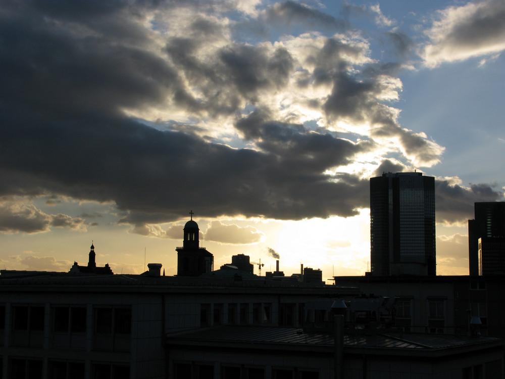 Abends über der Stadt