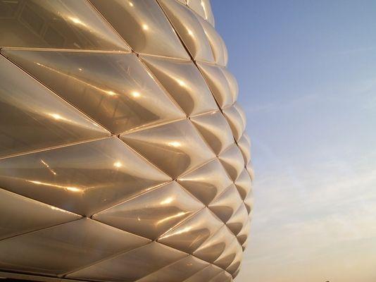 Abendsonne auf die Allianz Arena ...
