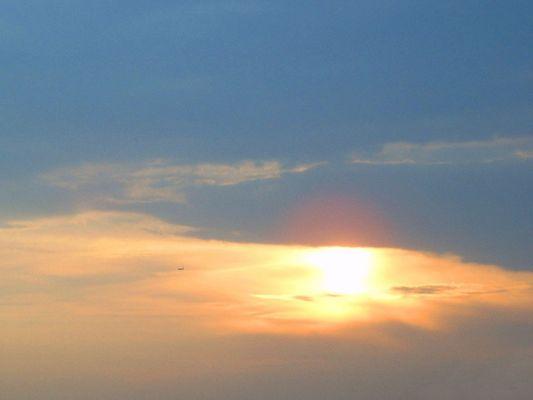 Abendsonne mit Flieger