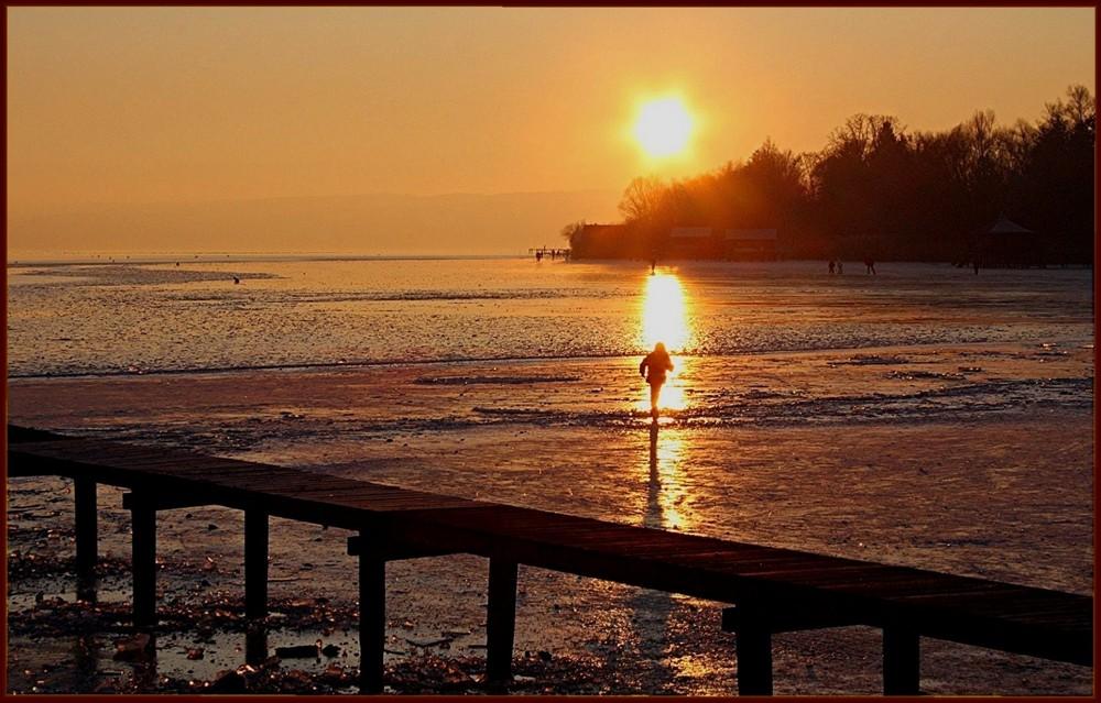 Abendsonne über dem vereisten Ammersee