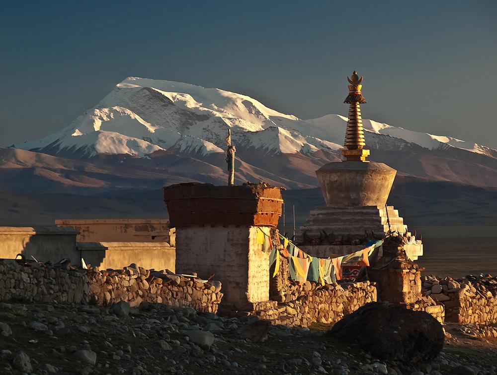 Abendsonne über den Himalaya Gipfeln von Guust Flater