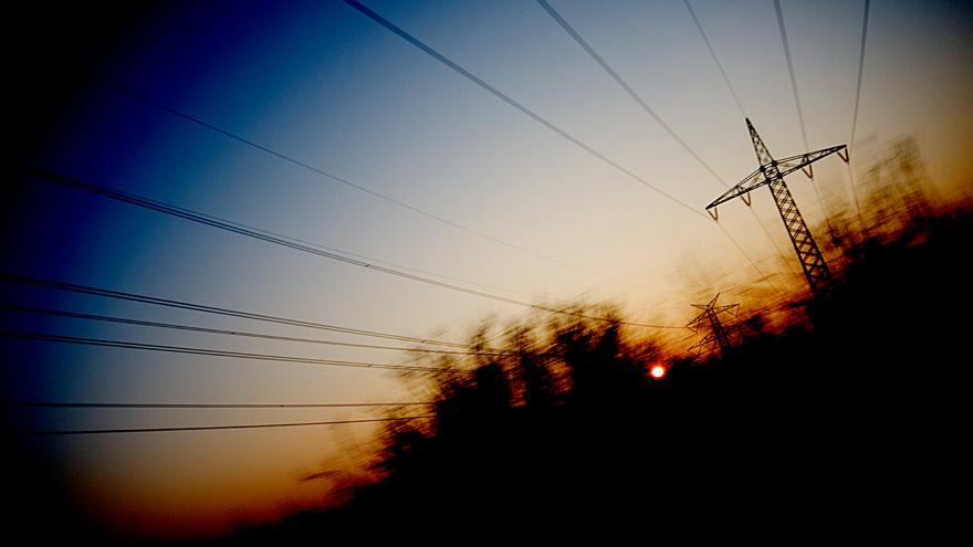 Abendsonne und Strommast