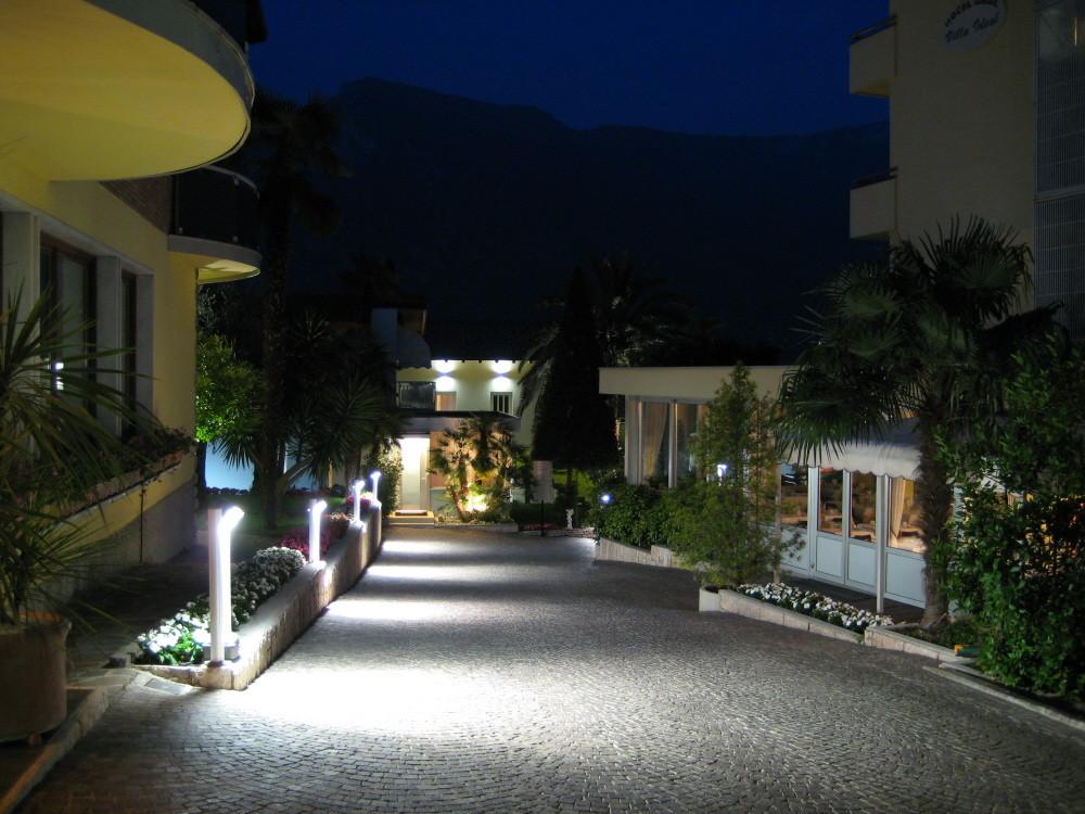 Abendspaziergang in der Hotelanlage