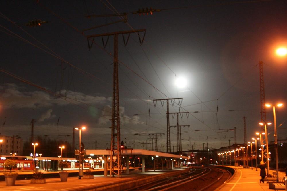 Abendstimmung am Bahnhof
