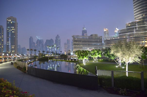 Abendstimmung am Fusse des Burj Khalifa 2