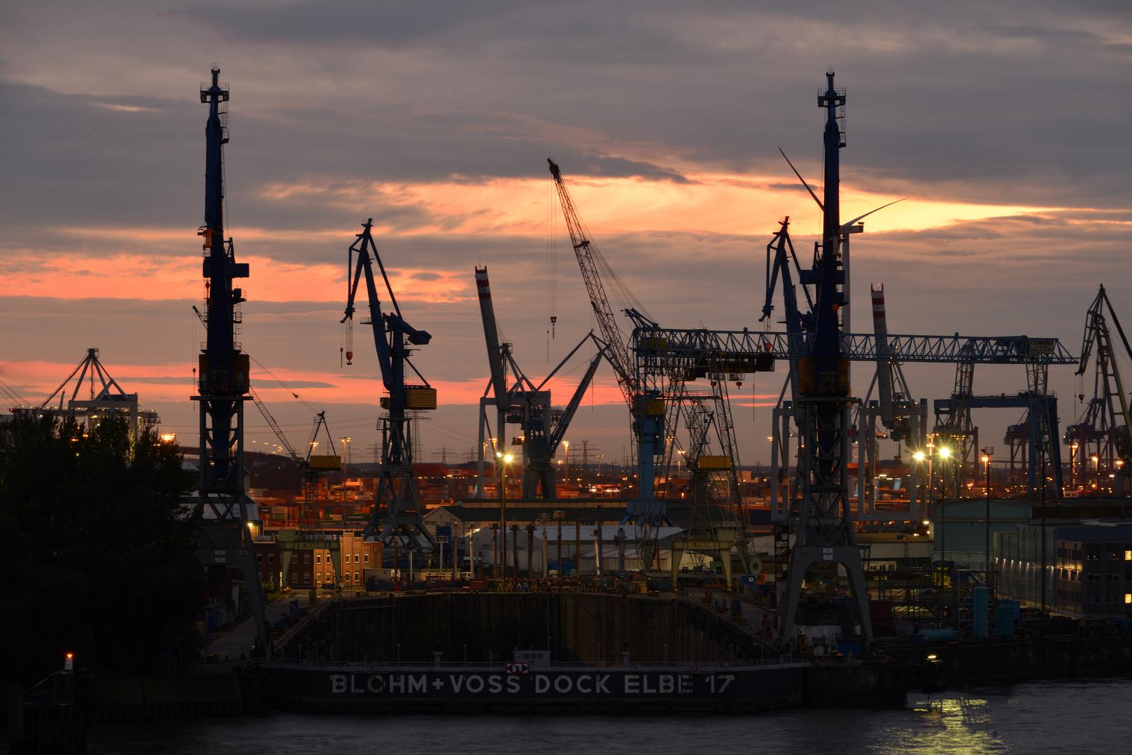 Abendstimmung am Hamburger Hafen