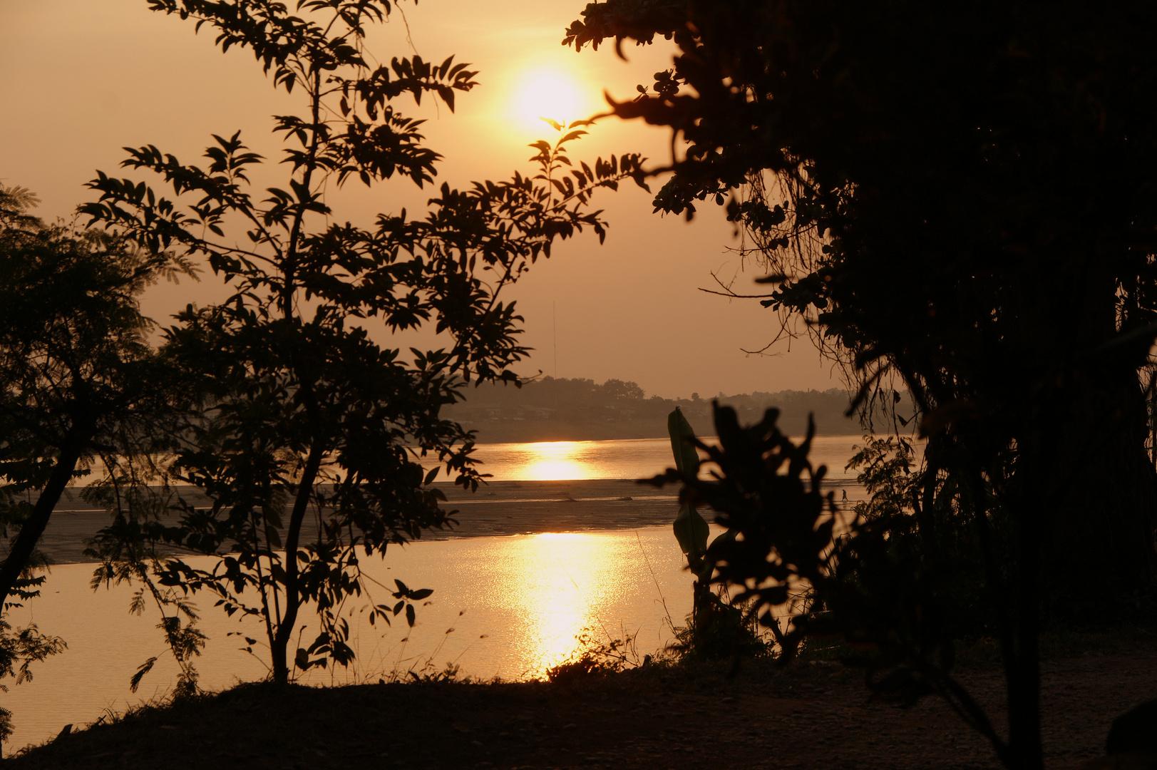 Abendstimmung am Mekong in Vientiane