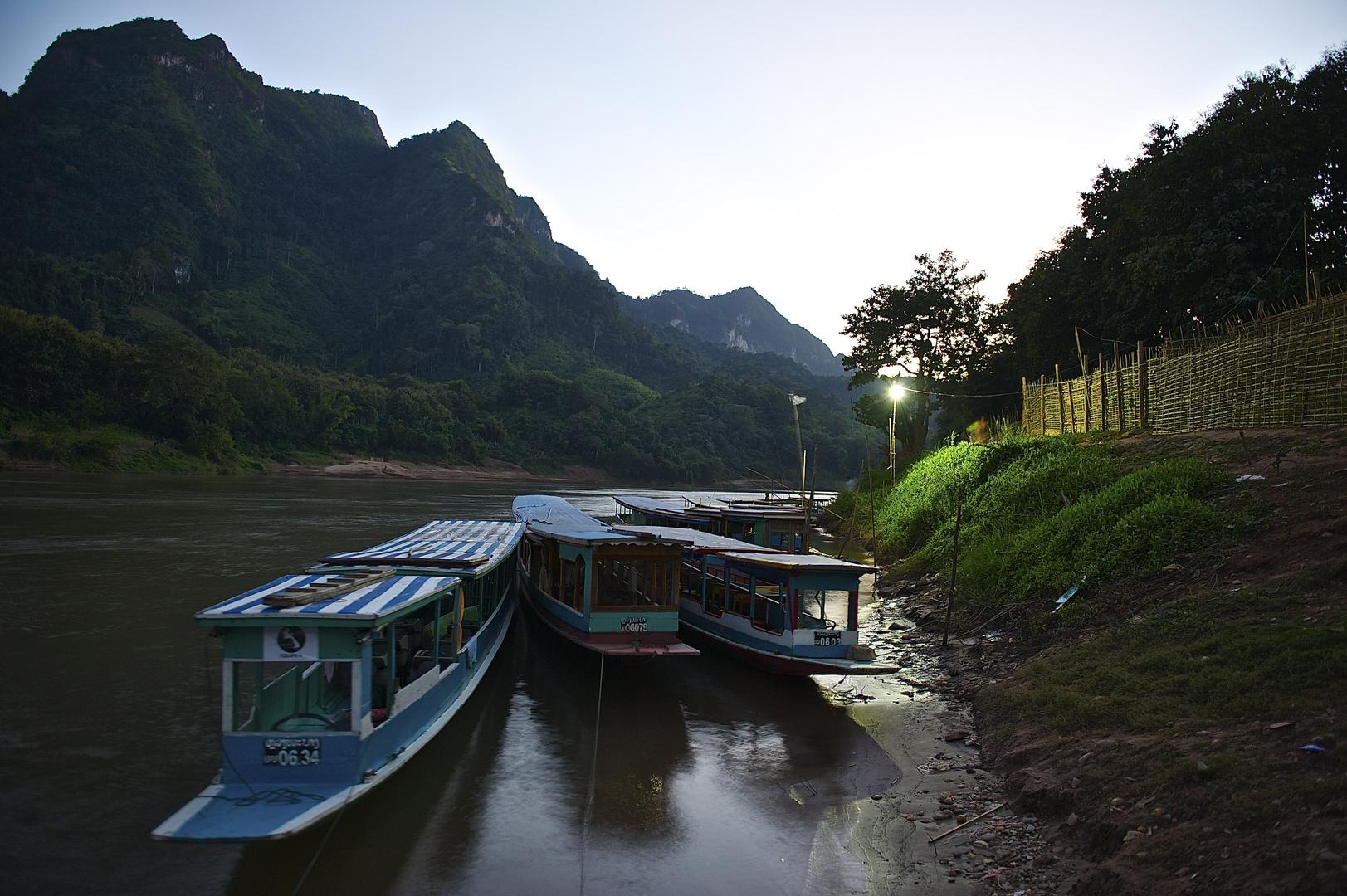 Abendstimmung am nam Ou river in Nong Khiaw