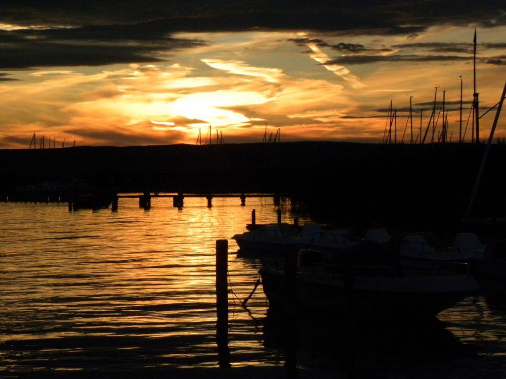Abendstimmung am Neusiedler See by Betti60