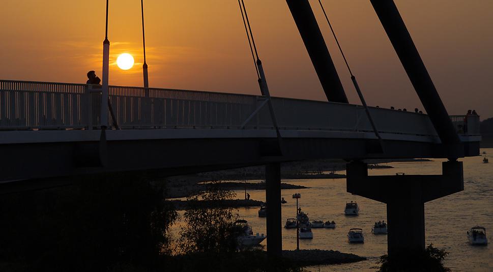 Abendstimmung am Rhein gestern vor dem Feuerwerk...