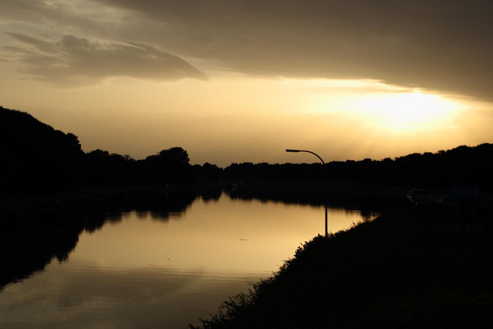 Abendstimmung am Wesel-Datteln-Kanal