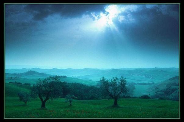 Abendstimmung-Crete-Toskana