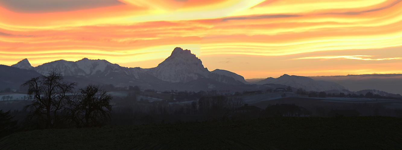 Abendstimmung der Alpenlandschaft