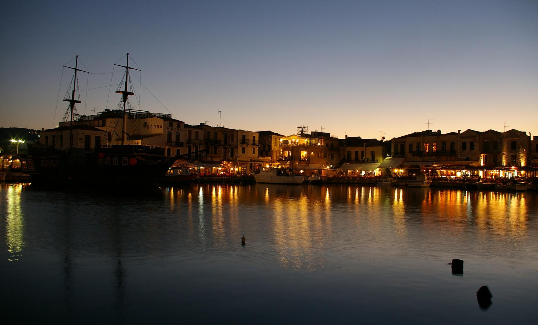 Abendstimmung im Hafen von Rethymno