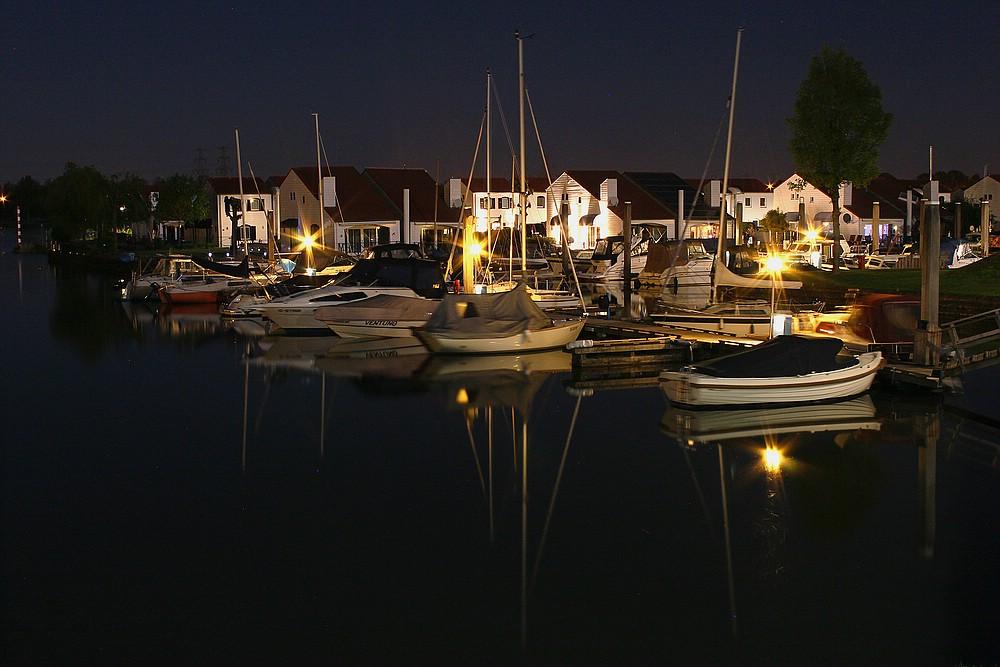 Abendstimmung im Marina Resort Oolderhuuske