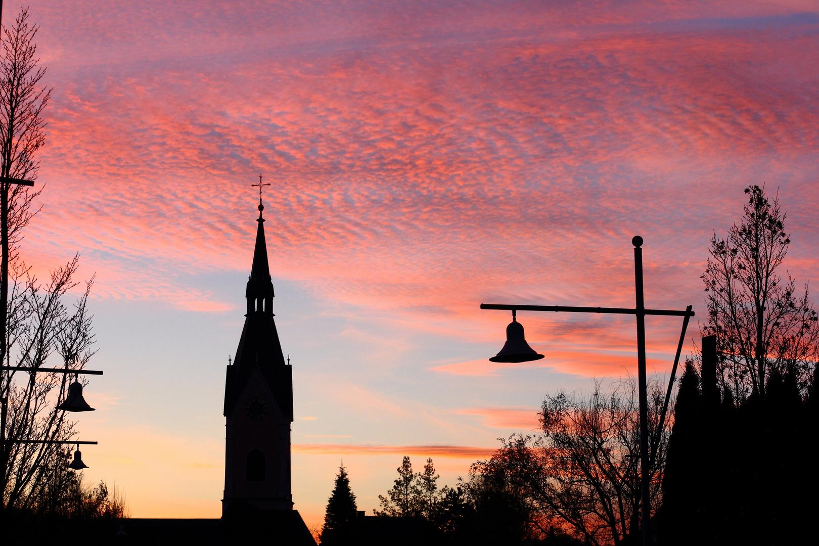 Abendstimmung mit Kirchturm