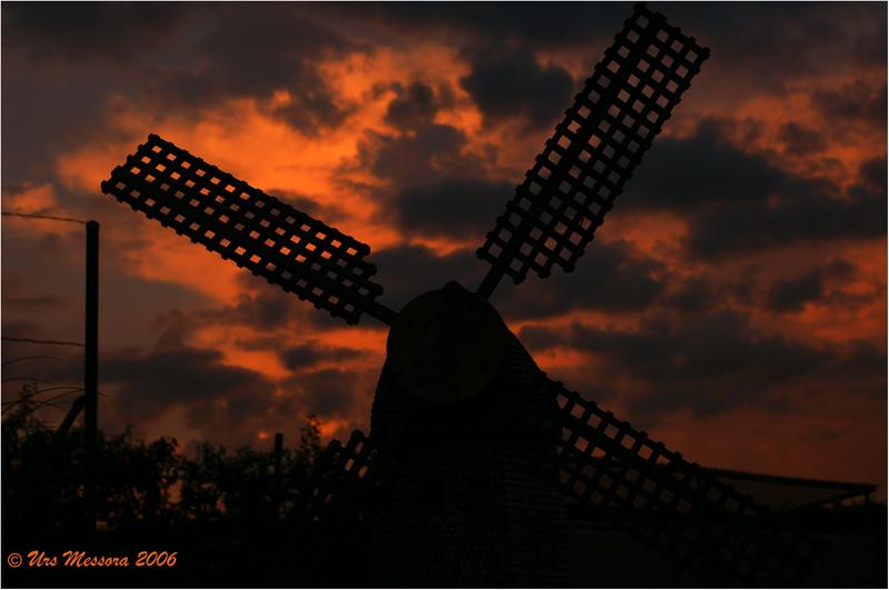 Abendstimmung mit Windmühle