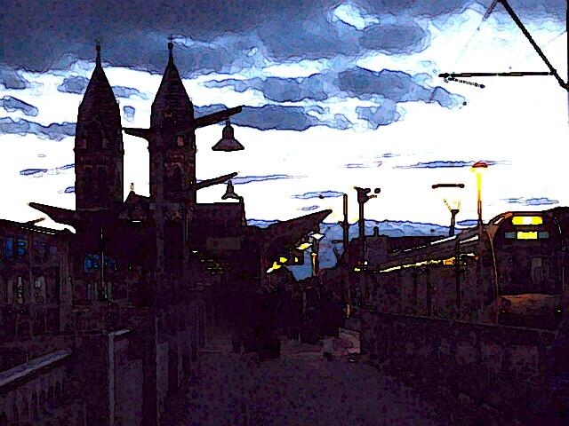 Abendstunde auf der Stadtbahnbrücke Freiburg