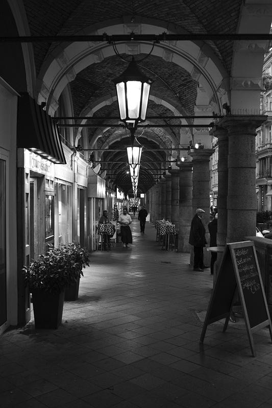 Abentliche Colonnaden