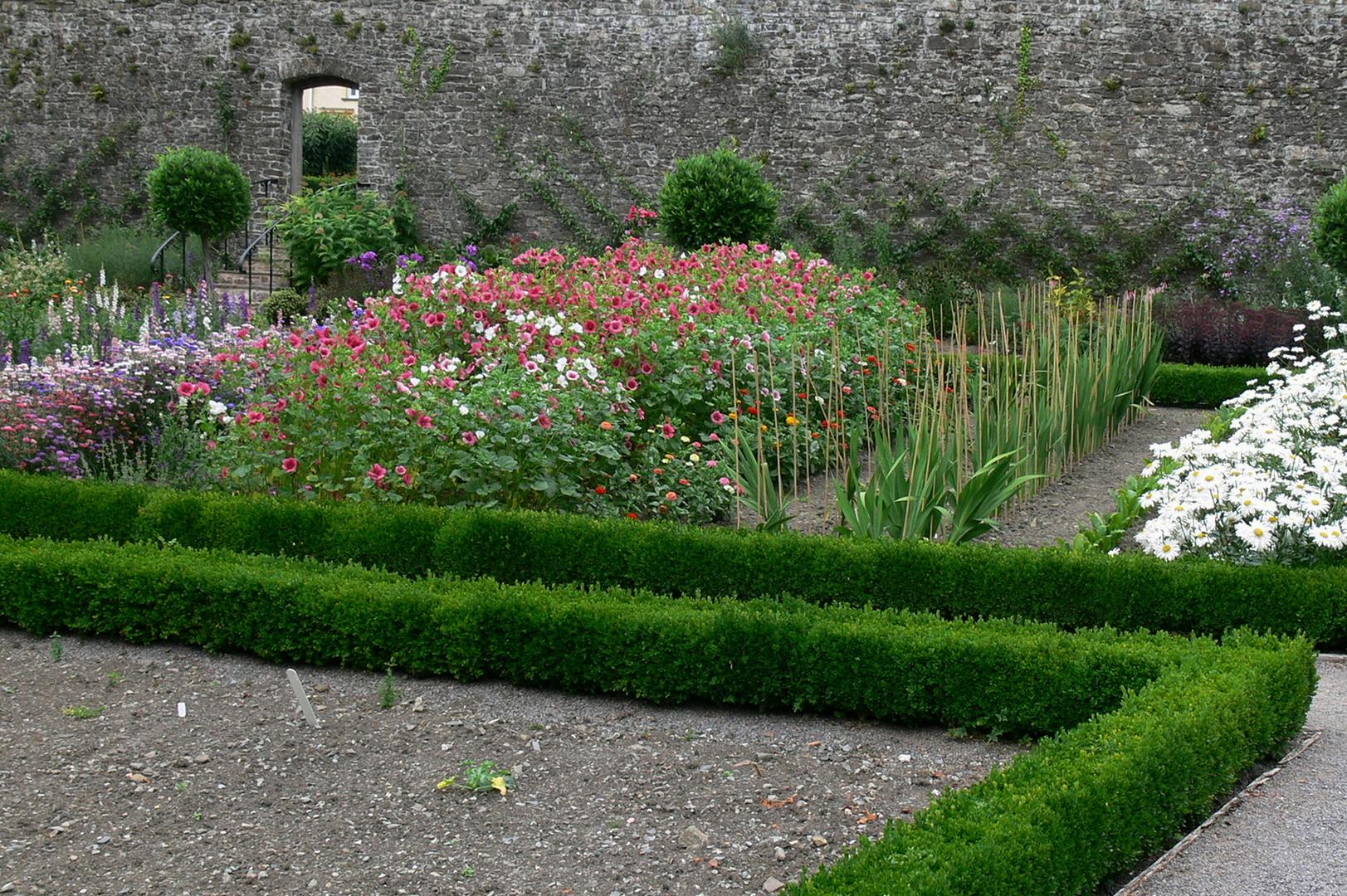 Aberglasney House and Gardens V