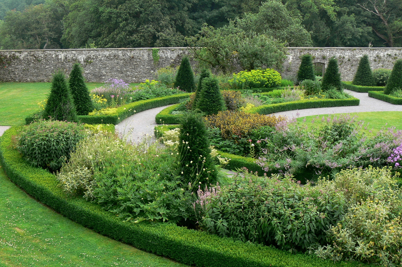 Aberglasney House and Gardens X