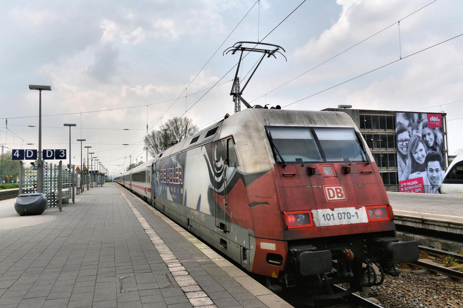 """Abfahrt IC 2217 mit """"Adler-Lok"""" nach Stuttgart"""