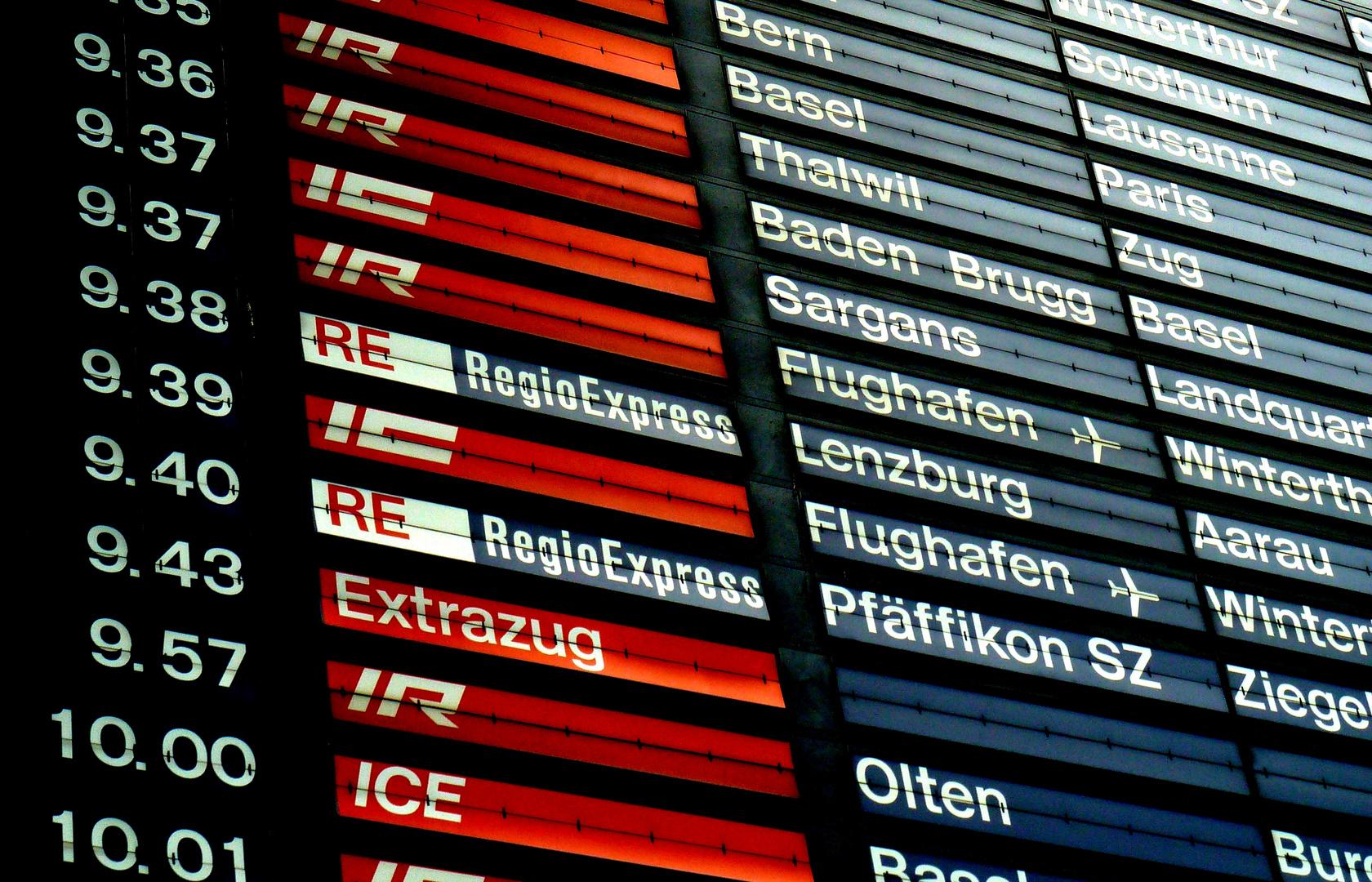 Abfahrtstafel in Zürich HB