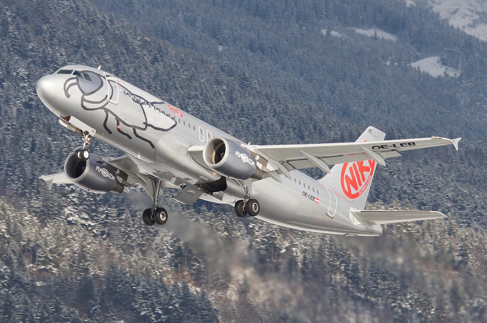 Abflug der Niki Maschine aus Innsbruck