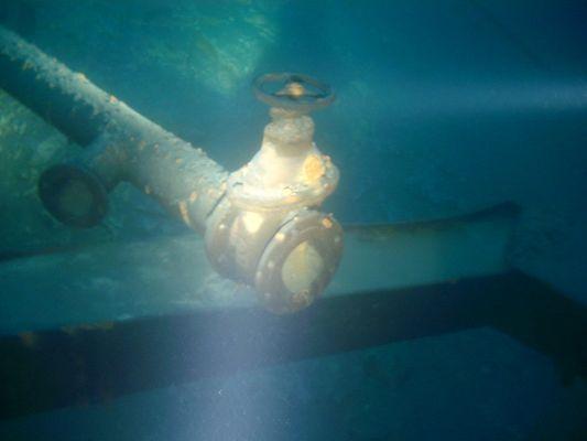 Abflußrohr unter Wasser