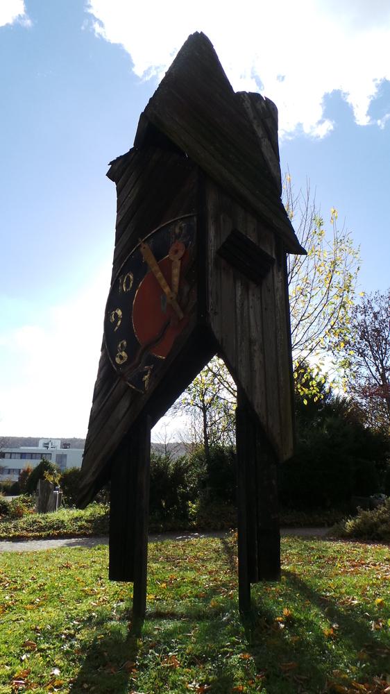 abgebrannte kirchturmuhr - allmersbach im tal