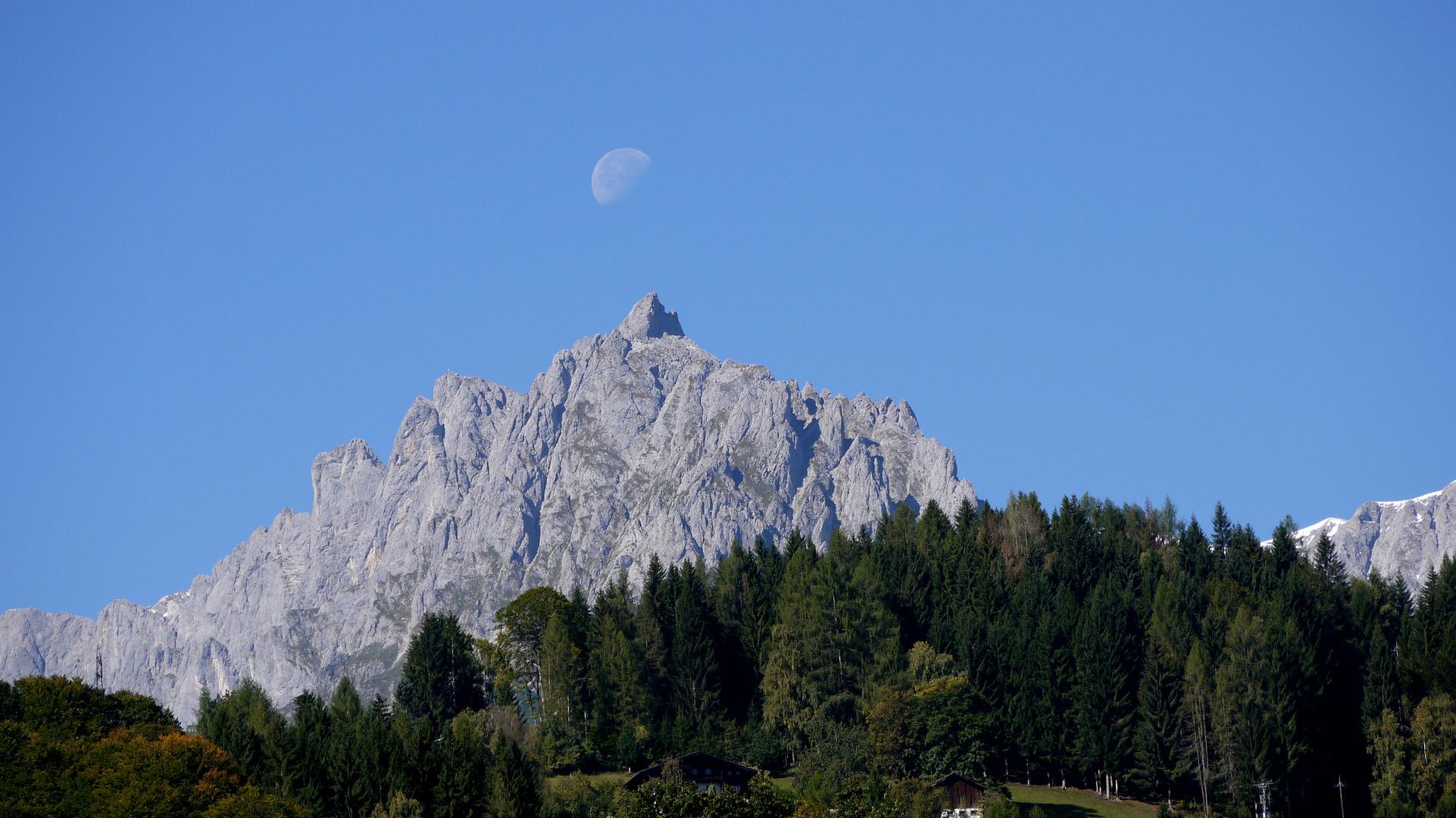 Abnehmender Mond beim Westl.Vierrinnenkopf,Mandlwänd