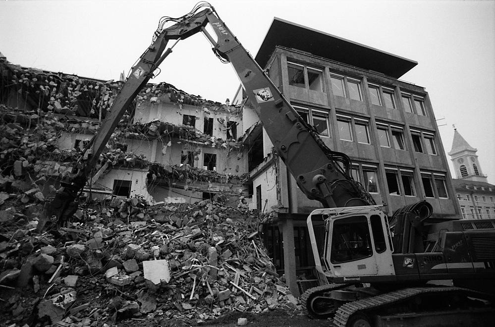 Abriss der Volksbank in Karlsruhe