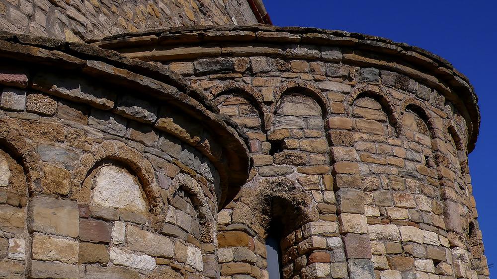 Absides Iglesia de la Mare de Deu de la Cinta ( Llimiana Pallars Jussa Lleida Catalunya )