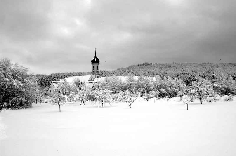 Abtei Oberschönenfeld im Winterkleid - sw