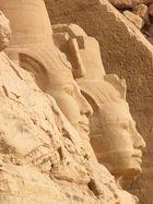 Abu Simbel (schau genau hin)