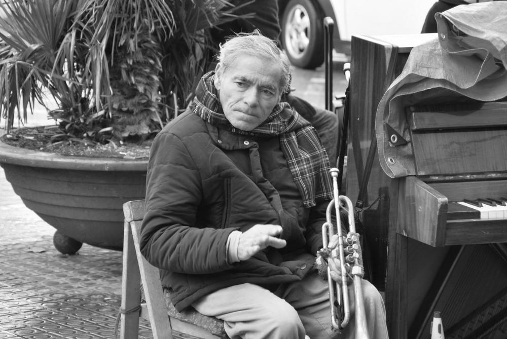 Abuelo con Trompeta 2 - Opa mit Trompete 2