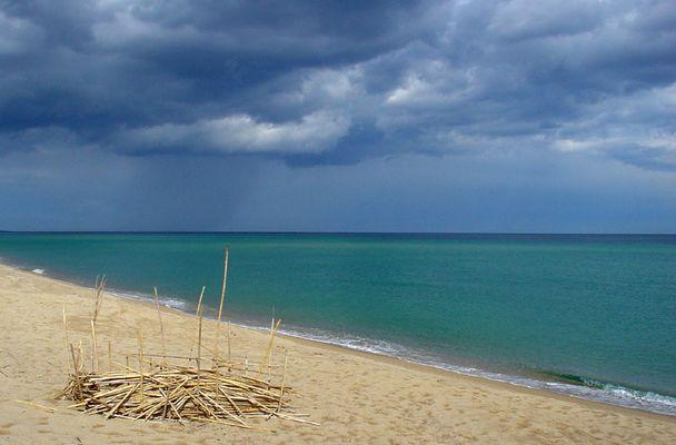 Abzug... - das Gewitter verschwindet nach Korsika