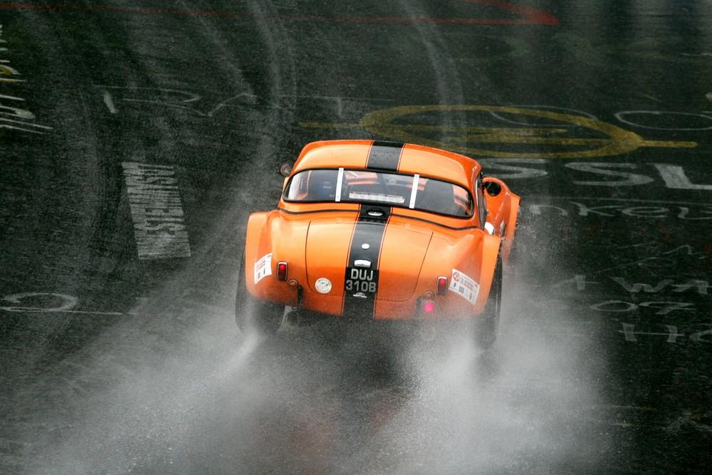 AC Cobra im Regen
