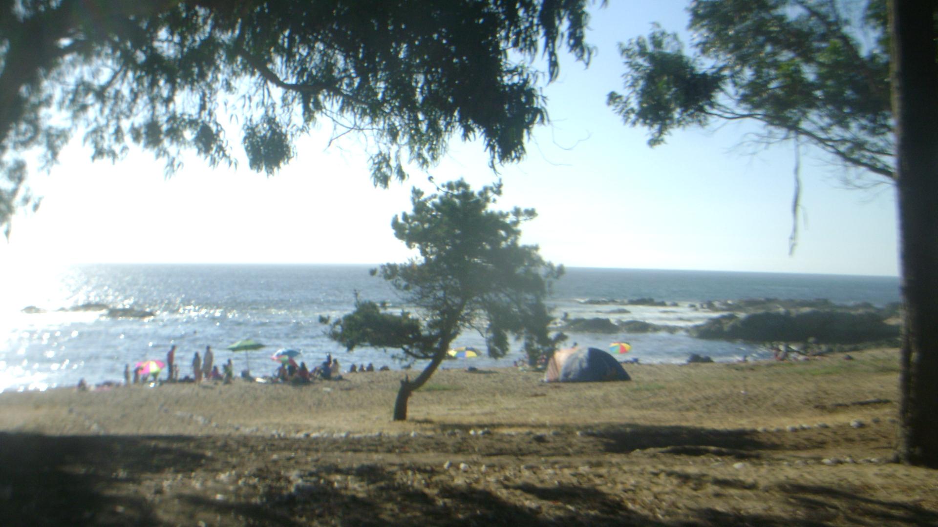 acampando en la playa