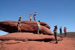 ACHT Gruppe auf Fels AUS