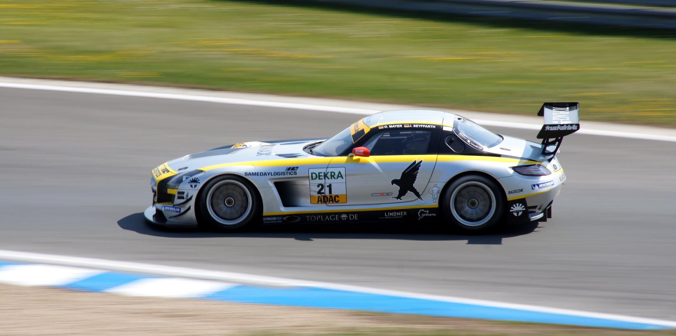 ADAC GT Masters Mercedes SLS