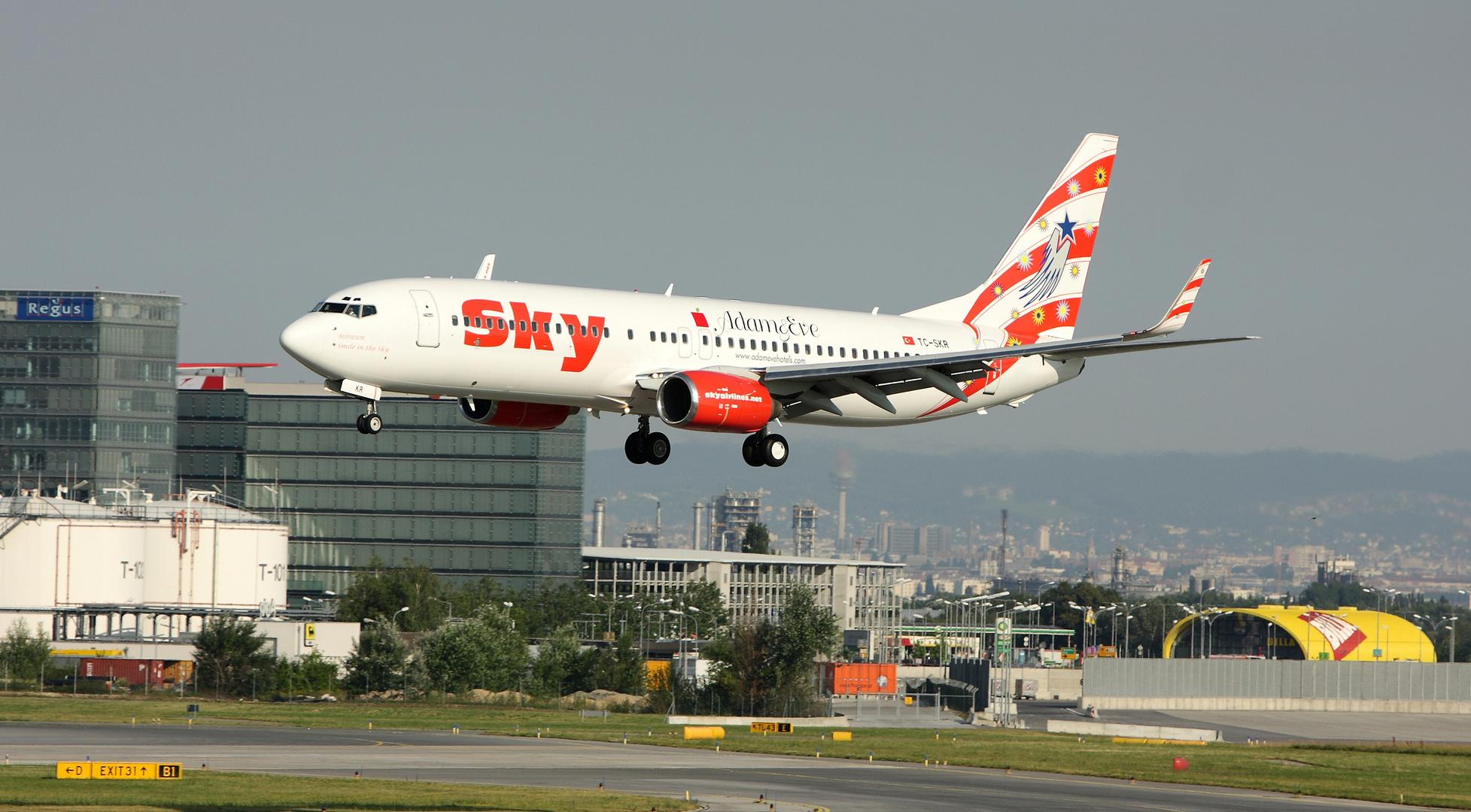 Adam&Eve von Sky airlines