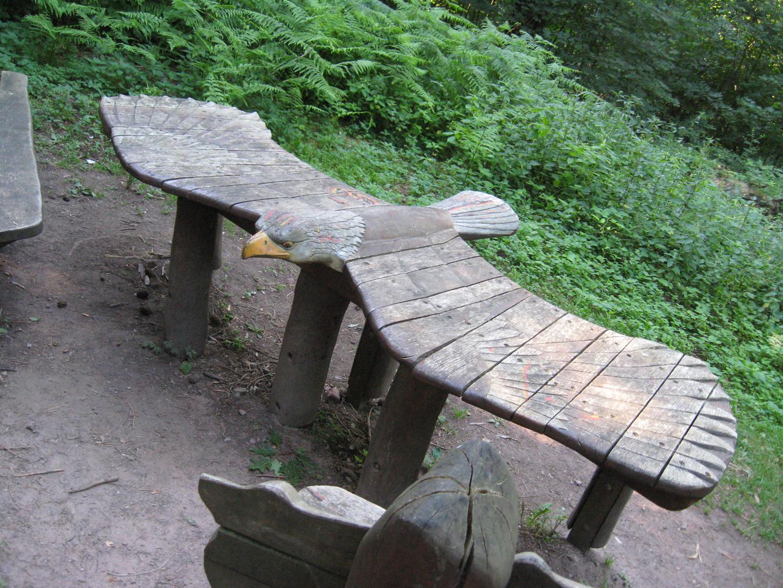 Adler-Tisch im Wald bei Heidelberg