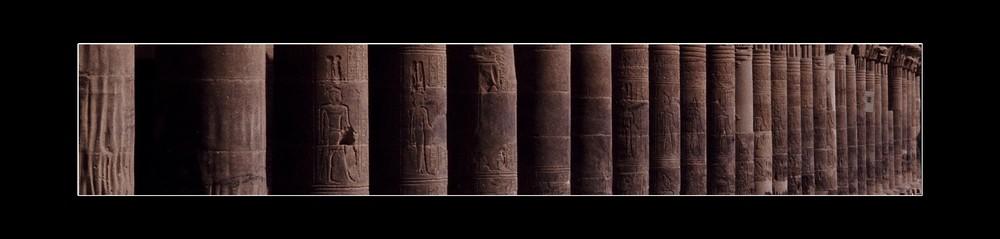 Ägyptischer Tempel - Säulen