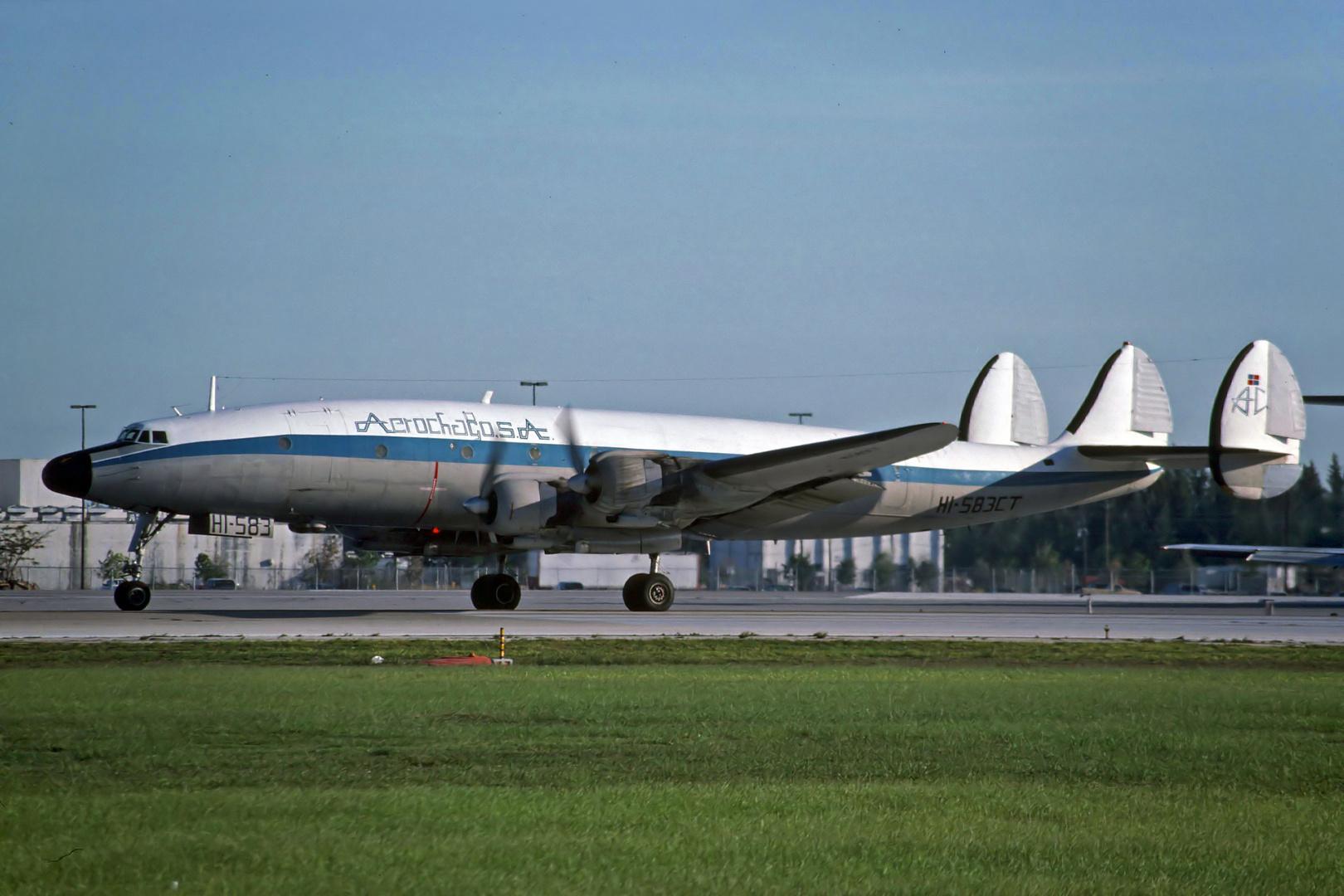 AEROCHAGO Airlines Lockheed C-121G Constellation Miami Juni 1990