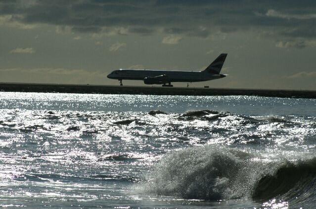 Aeroport Nice cote d'azur Porte avions???